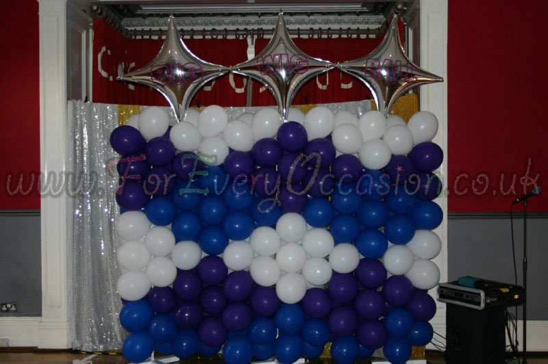 Big Wig Ball Balloon Wall