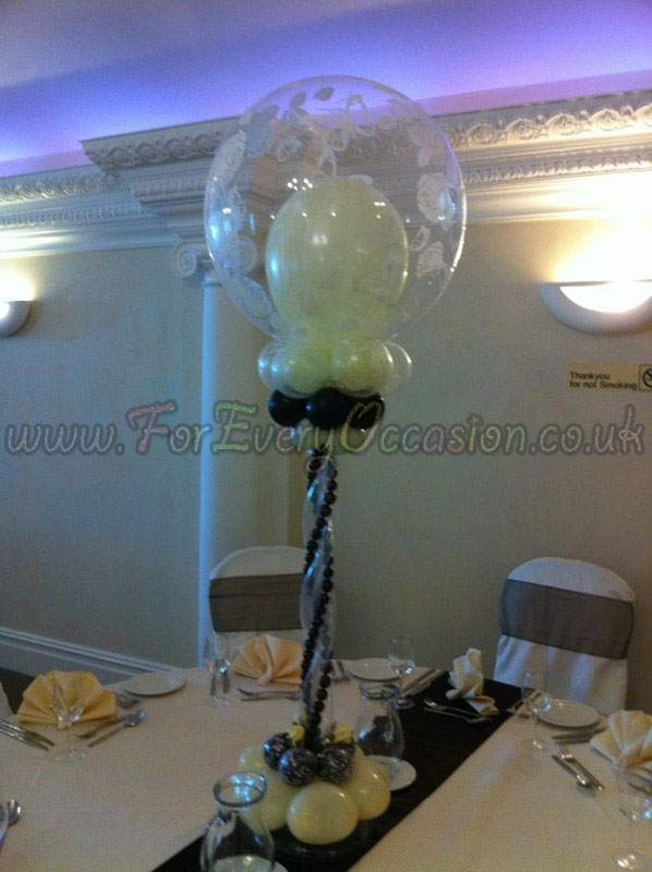 Elegant Table Centre